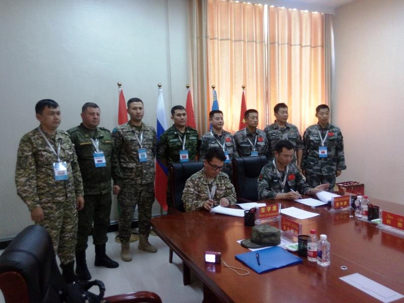 Представитель Минобороны Казахстана проинспектировал мотопехотный полк в Китае