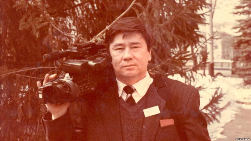 Умер известный журналист Киял Сабдалин