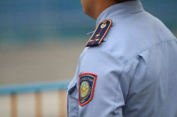 Полицейские Астаны вернули британцу потерянные вещи и документы