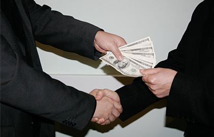 Павлодар облыстық мемлекеттік кіріс департаментінің басшысы қамауға алынды