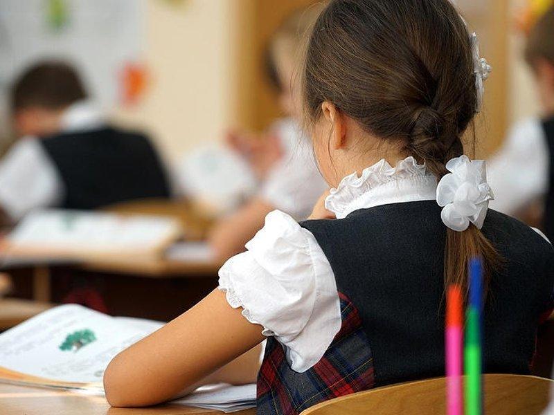 Школьная форма временно перестанет быть обязательной – Аймагамбетов