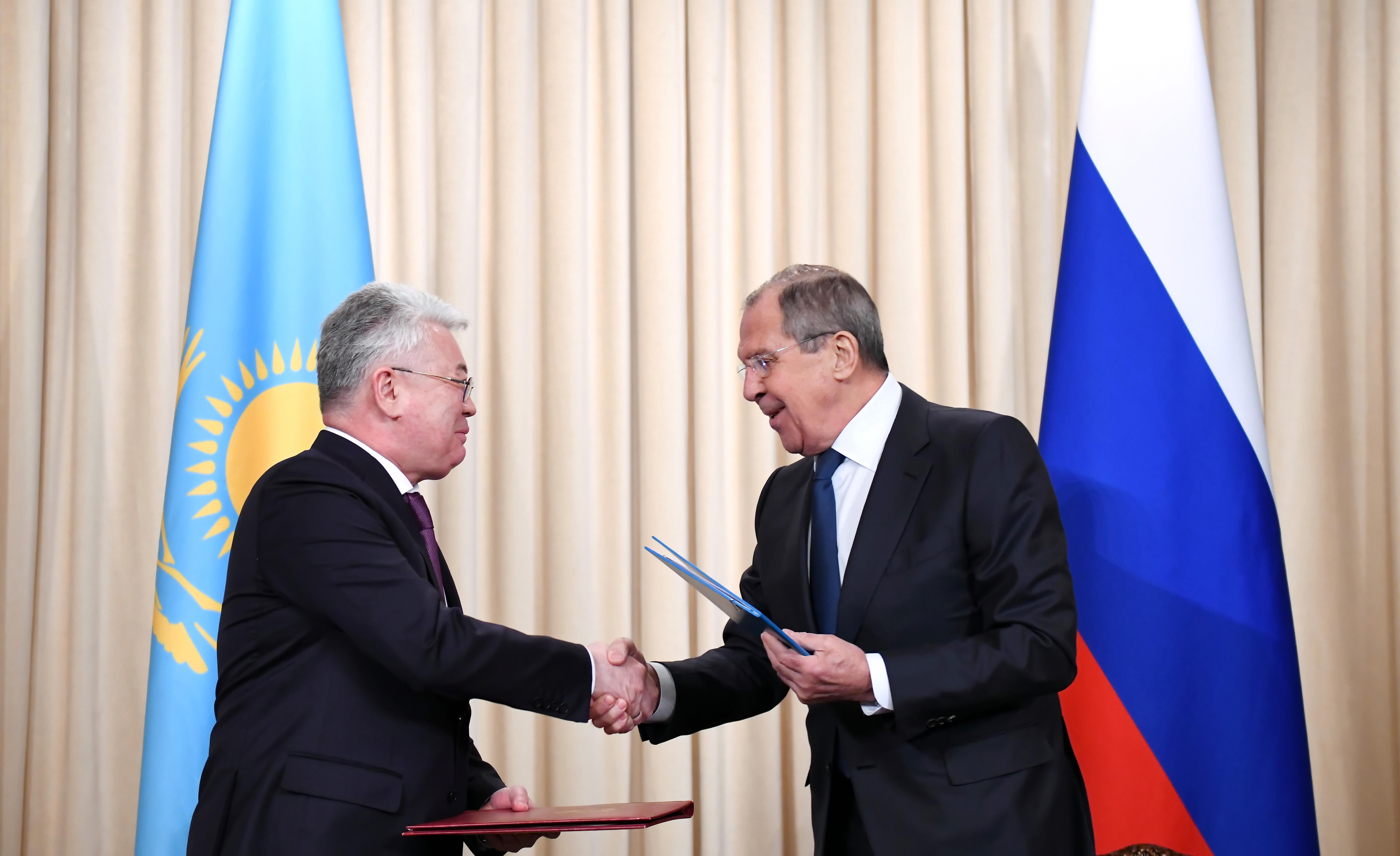 Главы МИД РК и РФ обсудили взаимодействие в рамках региональных интеграционных объединений