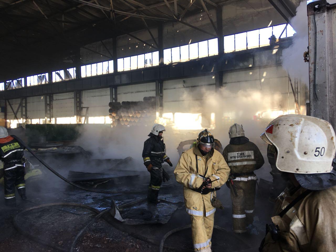 Несколько десятков бутиков сгорели на территории рынка в Нур-Султане
