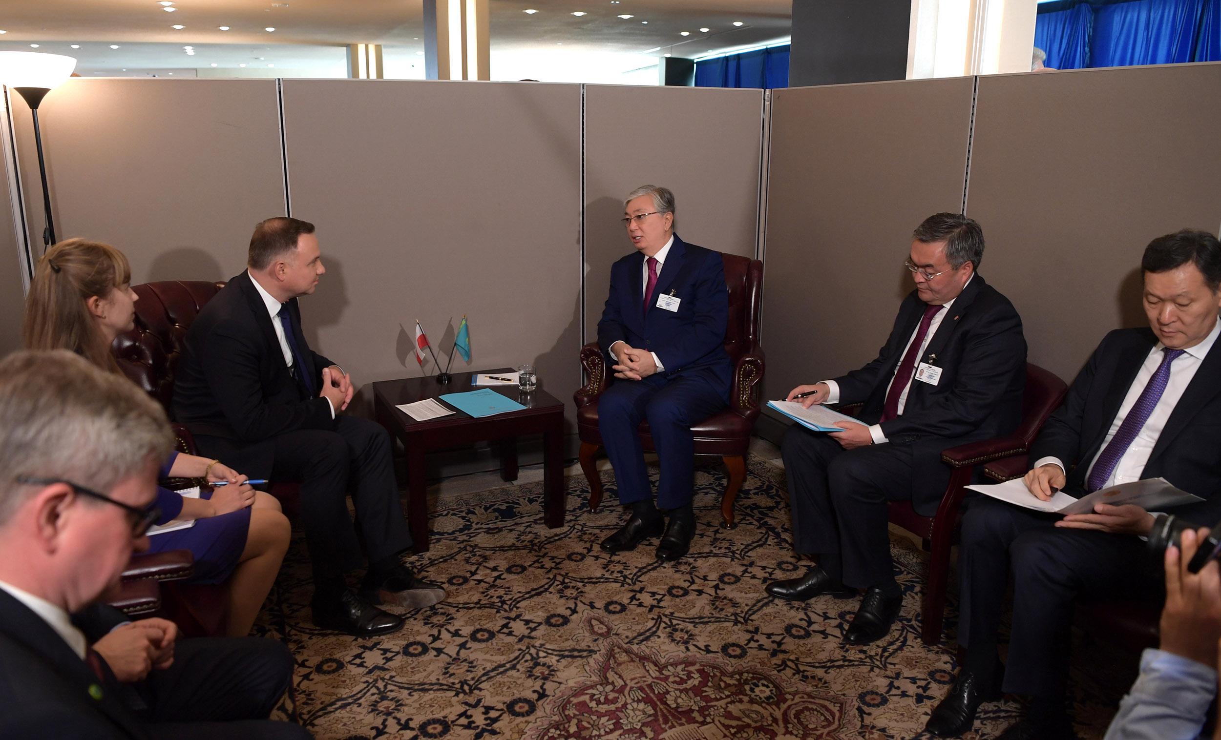 """Токаев """"на полях"""" ГА ООН обсудил вопросы сотрудничества с коллегами из Польши и Грузии"""