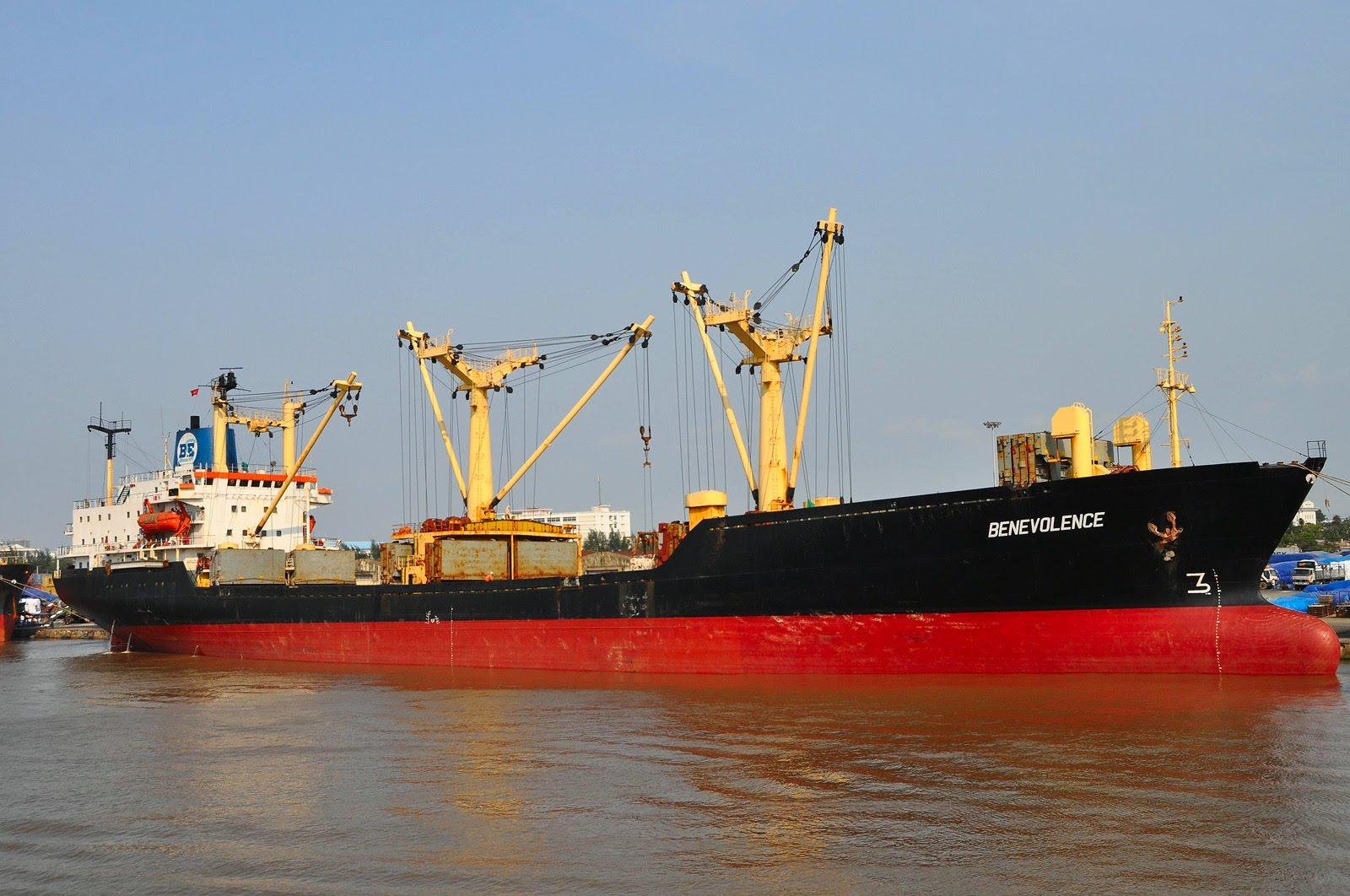 """Три иранских моряка погибли из-за """"токсичного"""" зерна из Казахстана"""