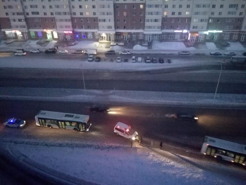 Астанада қоғамдық автобус жаяу жүргіншіні қағып кетті
