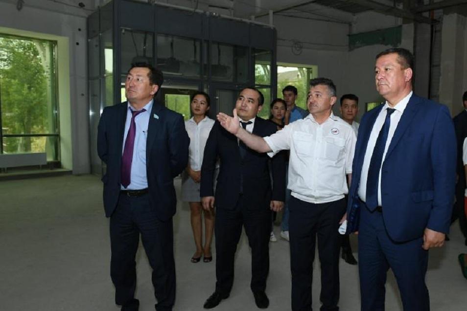 Қызылорда облысының әкімі «Роскосмос» МК директорымен кездесті