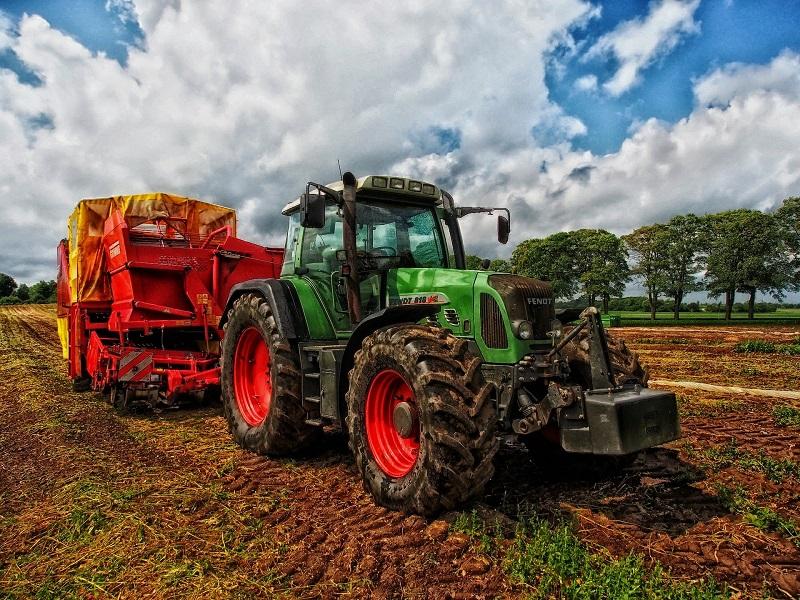 Атамкулов объяснил важность утильсбора на сельхозтехнику