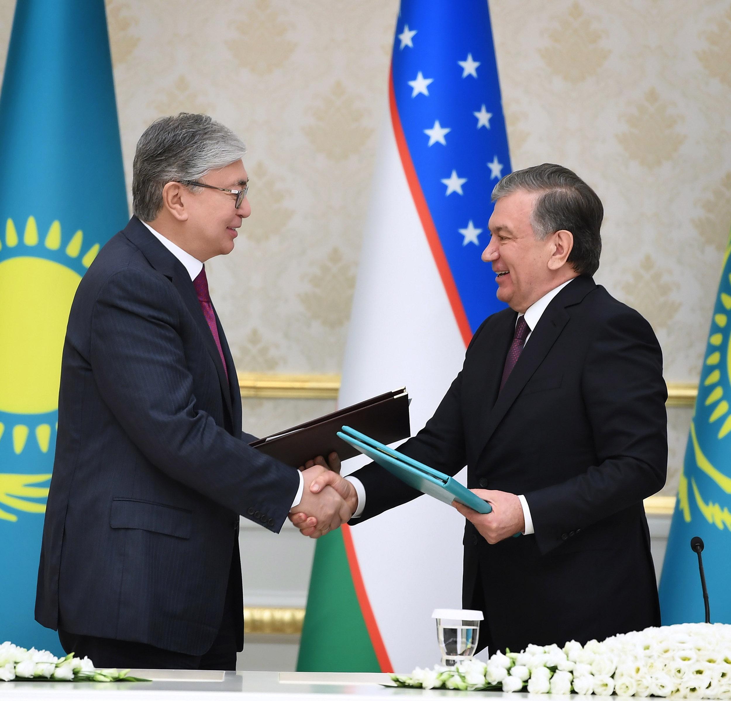 Қазақстан мен Өзбекстан Президенттері БАҚ өкілдері үшін баспасөз мәслихатын өткізді