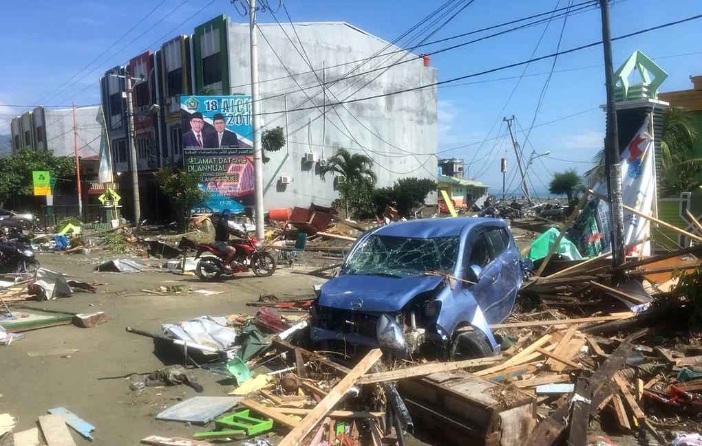 Землетрясения продолжаются на острове Сулавеси в Индонезии