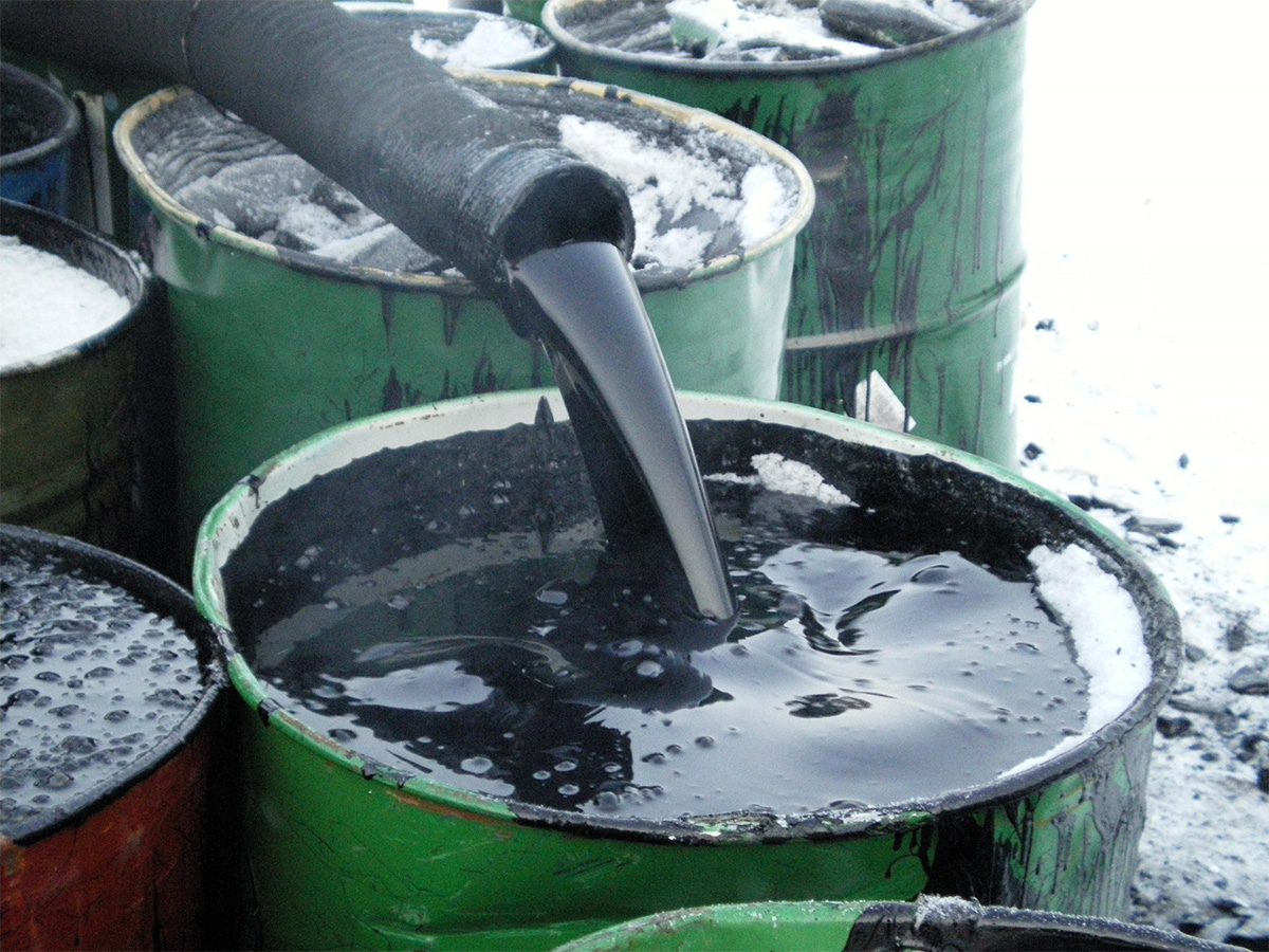 Казахстан может ввести временный запрет на экспорт битума