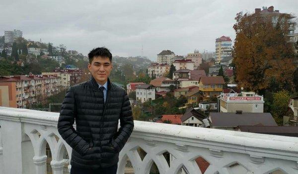Выпускник казахской школы из Актау стал лучшим в олимпиаде по русскому языку в РФ