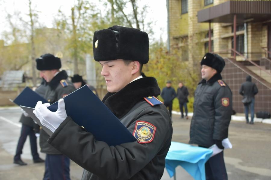 Қарағандыда 35 жас полиция қызметкері ант қабылдады