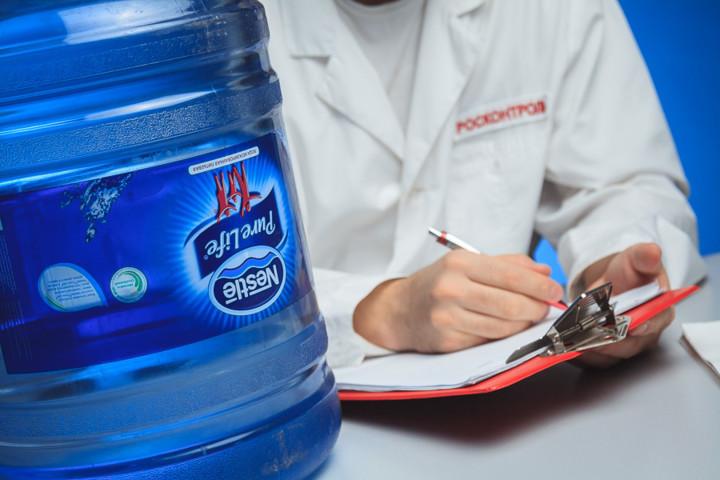Nestle проведет реорганизацию бизнеса бутилированной воды на фоне падения продаж в США