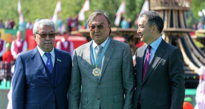 Жеті адамға «Алматы қаласының құрметті азаматы» атағы берілді