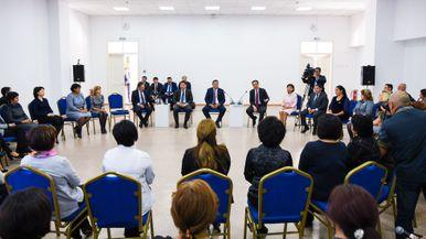 Бақытжан Сағынтаев: Жақсы псиxолог мектептегі арзан жалақыға жұмыс жасамайды