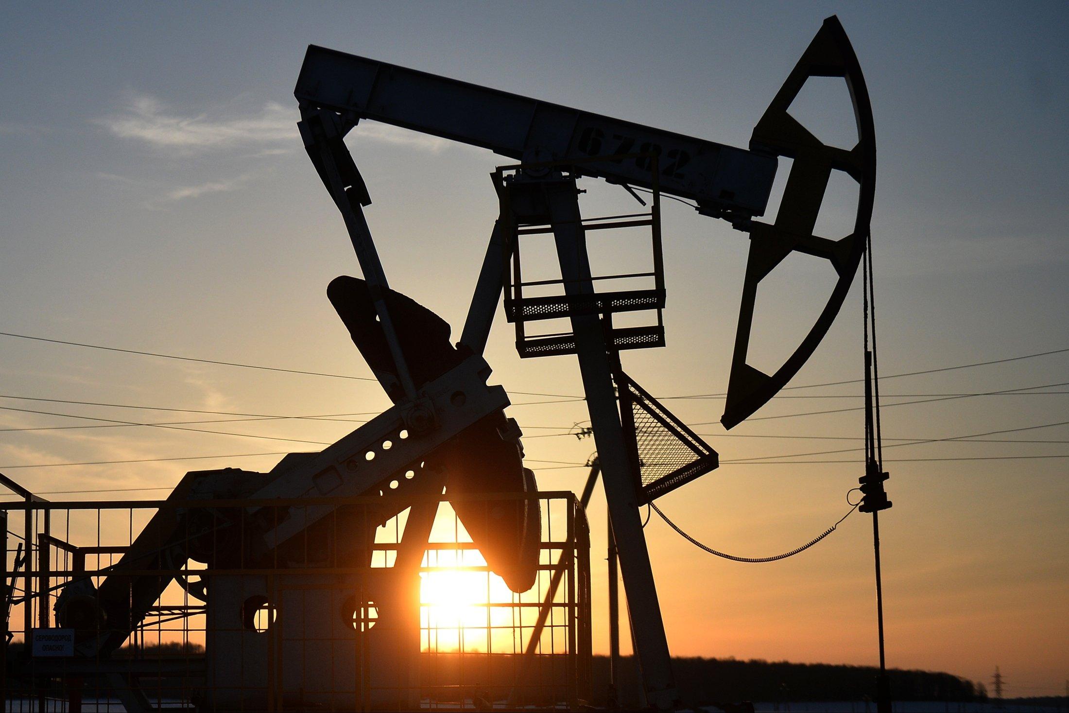 АҚШ, Ресей және Сауд Арабиясы мұнай нарығын бірлесіп ретке келтіреді