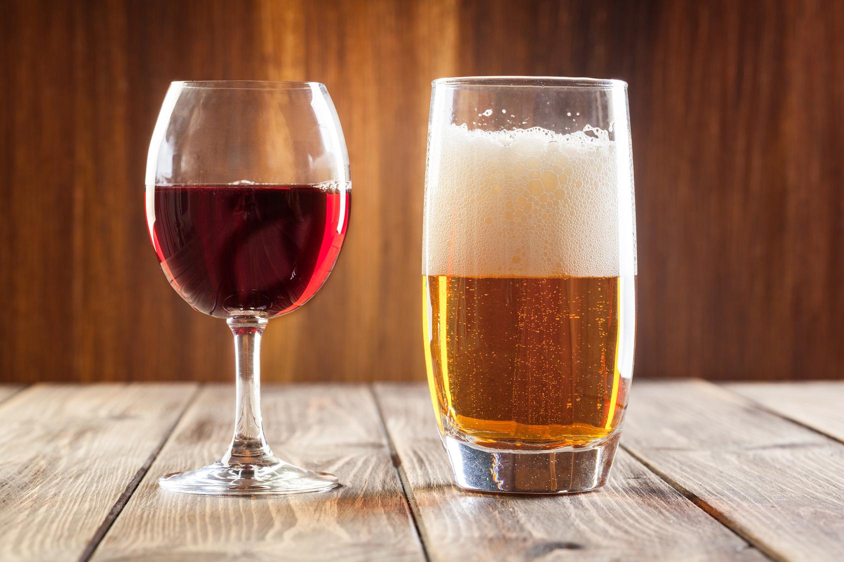 Снять запрет на рекламу слабоалкогольных напитков в СМИ предлагают в Министерстве информации и общественного развития РК
