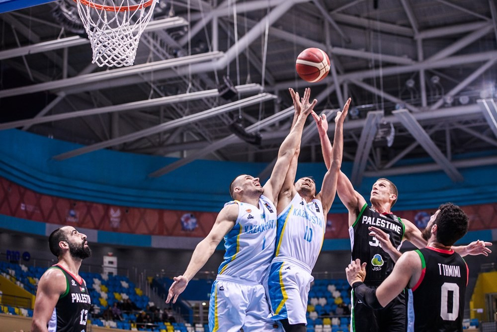 Команда Казахстана по баскетболу одержала победу над сборной Палестины