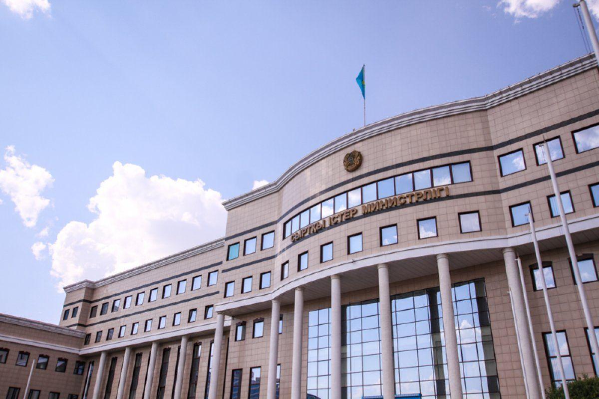 Экс-глава МИД РК Абдрахманов останется на дипслужбе