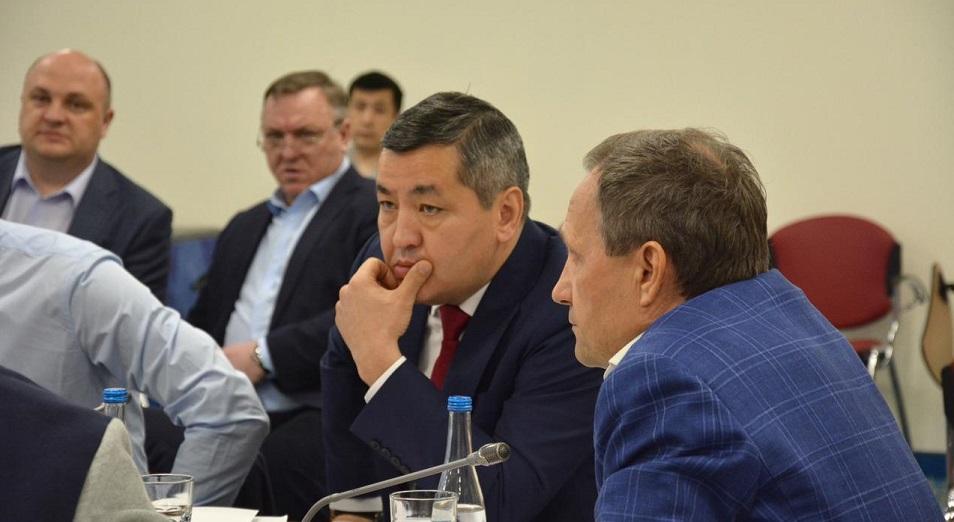 kazak-hokkejin-sheteldik-zhurnalister-bilejtin-bolgan-ba