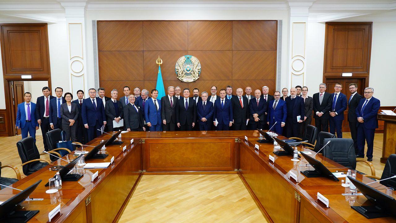 Аскар Мамин встретился с главами дипмиссий стран ЕС