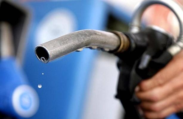 РФ и Казахстан подписали протокол о снятии эмбарго на экспорт бензина