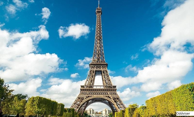 В Париже второй день закрыта Эйфелева башня из-за забастовки