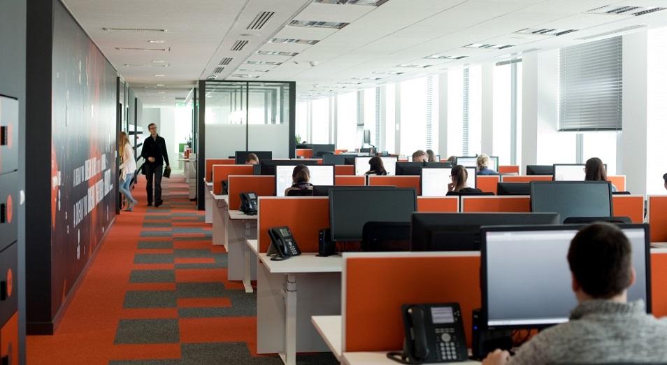 Open space: жайлы кабинеттегі жұмсақ кресломен қоштас