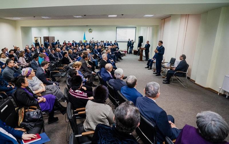 Свыше 100 вопросов задали акиму столицы жители района Есиль