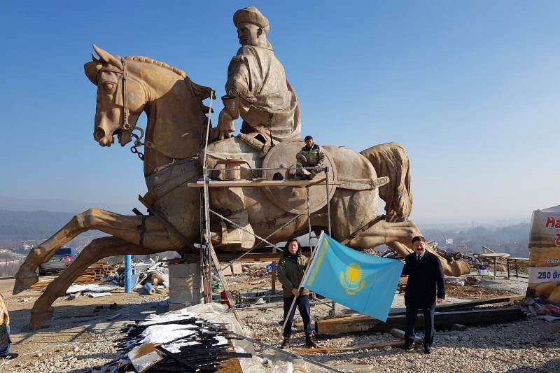 Қазақстандық мүсінші жасаған «Көрұғлы батыр» Түркияда орнатылады