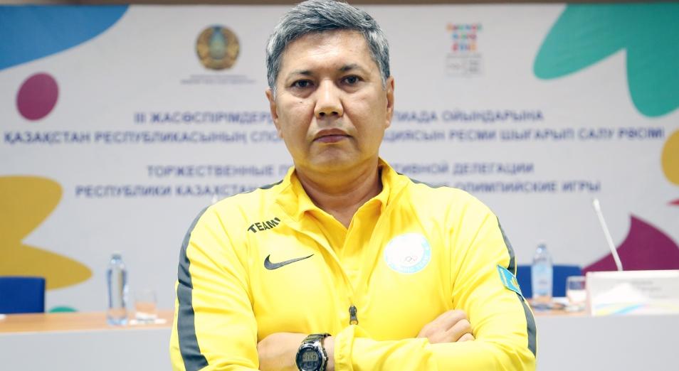 Сборная Казахстана по боксу проведёт первые сборы с новым тренером в январе