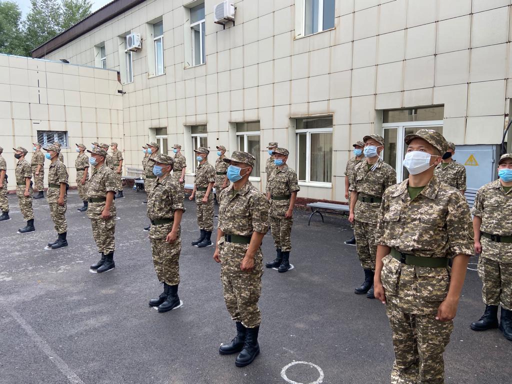 Елордалық жас сарбаздар ҚР Қарулы Күштері қатарына әскери қызметке аттанды