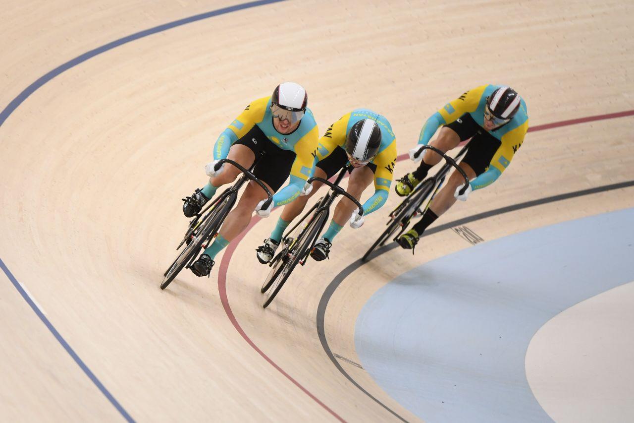 Как казахстанская команда выступила на ЧМ по велотреку