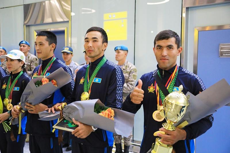 В Казахстане встретили победителей АрМИ-2018