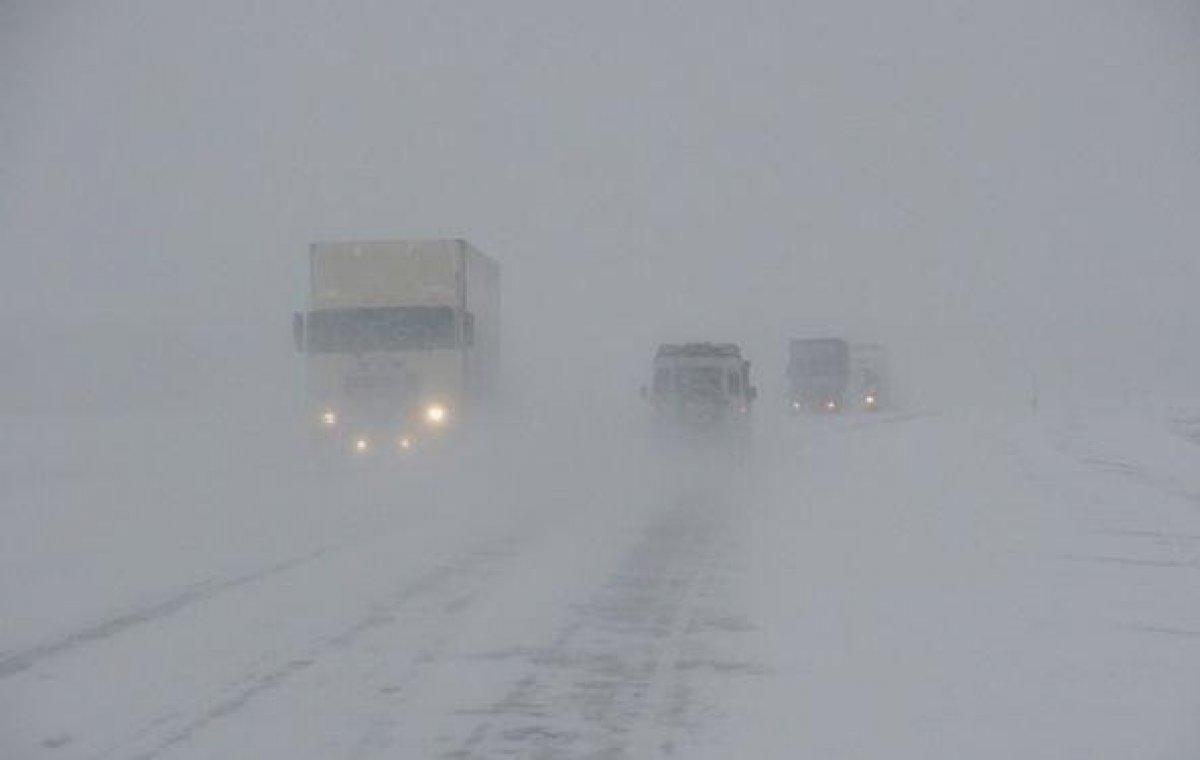 Границу с Казахстаном в Саратовской и Оренбургской областях РФ закрыли для транспорта из-за метели