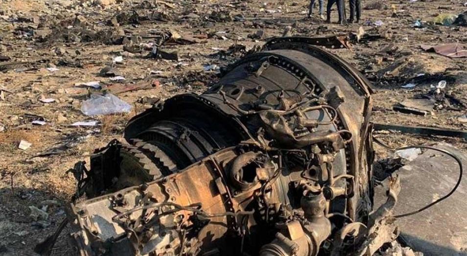 Командующий аэрокосмическими силами КСИР взял на себя ответственность за крушение украинского самолета