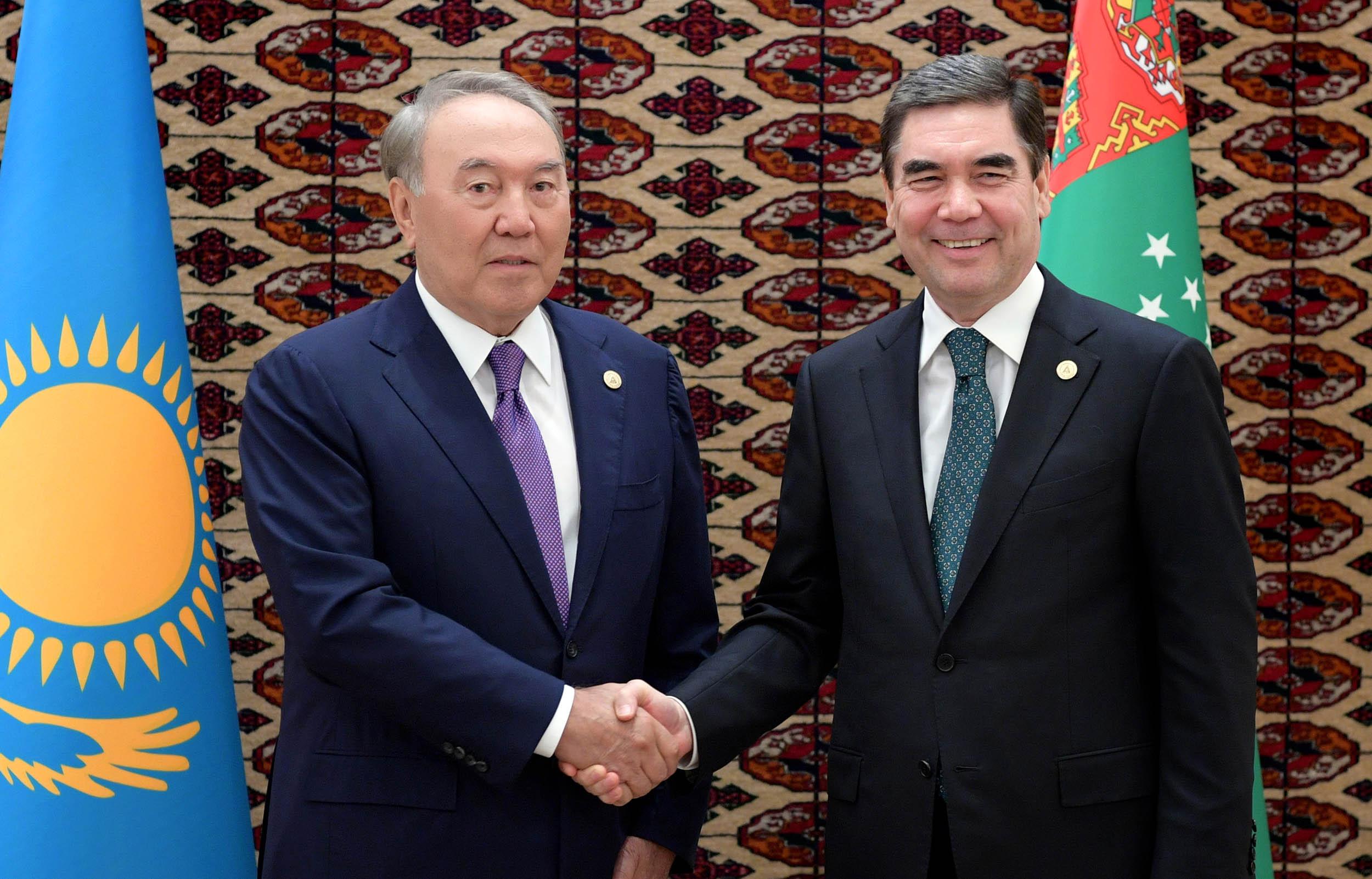 Елбасы Түрікменстан президентімен кездесті
