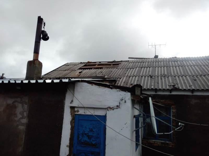 Сильный ветер оставил без света жителей села в Карагандинской области