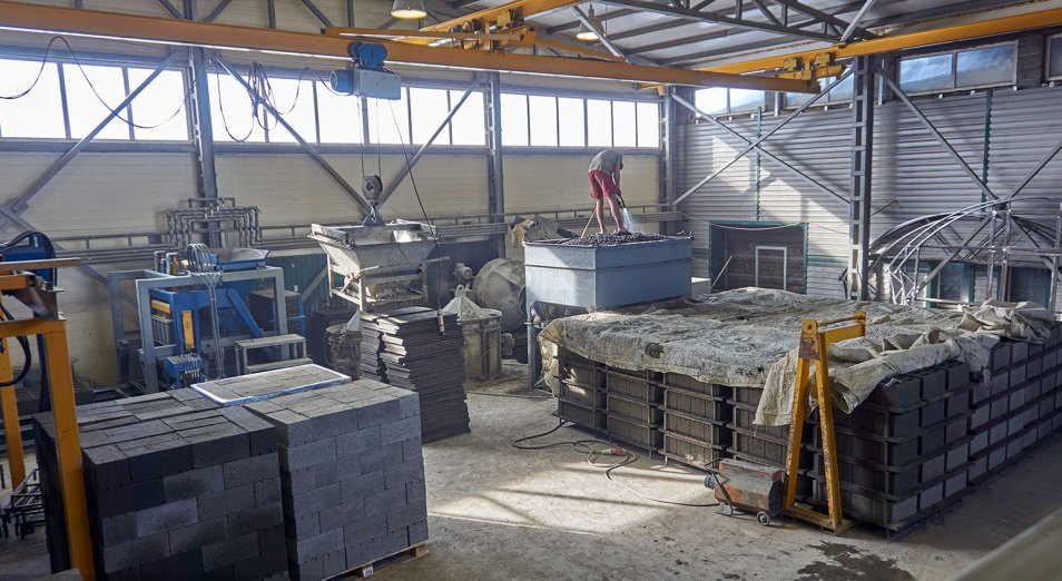 kakie-regiony-lidiruyut-po-proizvodstvu-strojprodukcii