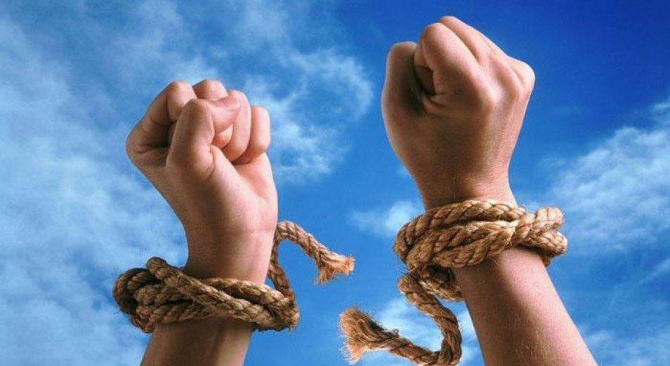 Суд освободил предпринимателя из рабства и от 250 млн чужого долга