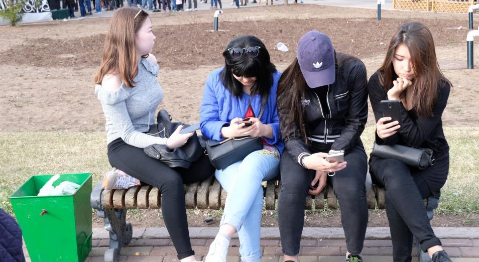 Когда казахи заговорят на казахском и почему молодежь не хочет работать в ауле?