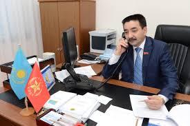Жамбыл Ахметбеков подал документы в ЦИК для регистрации кандидатом в Президенты Казахстана от КНПК