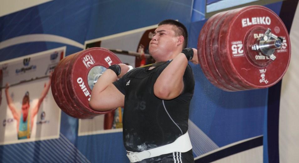 Казахстанские тяжелоатлеты стартовали на чемпионате в Таиланде
