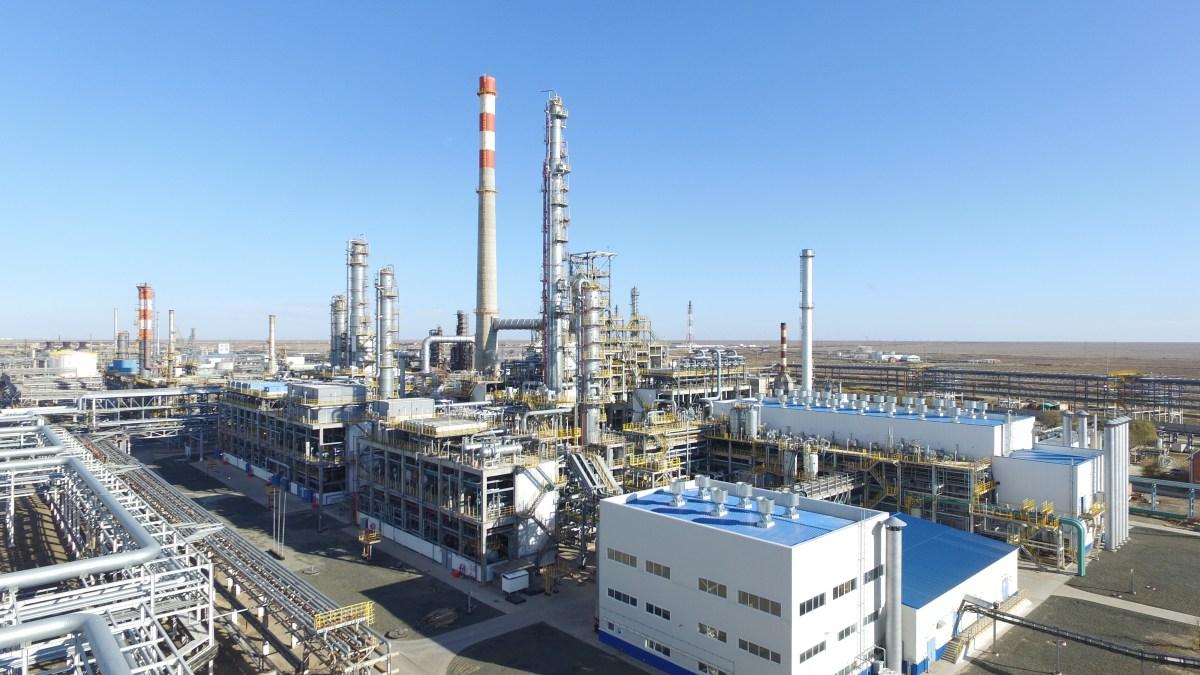 Экологи и прокуратура проведут на Атырауском НПЗ внеплановую проверку