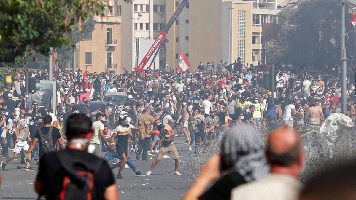 Число пострадавших в ходе протестов в Бейруте достигло 728