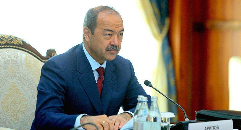В Узбекистане правительственный кортеж попал в ДТП