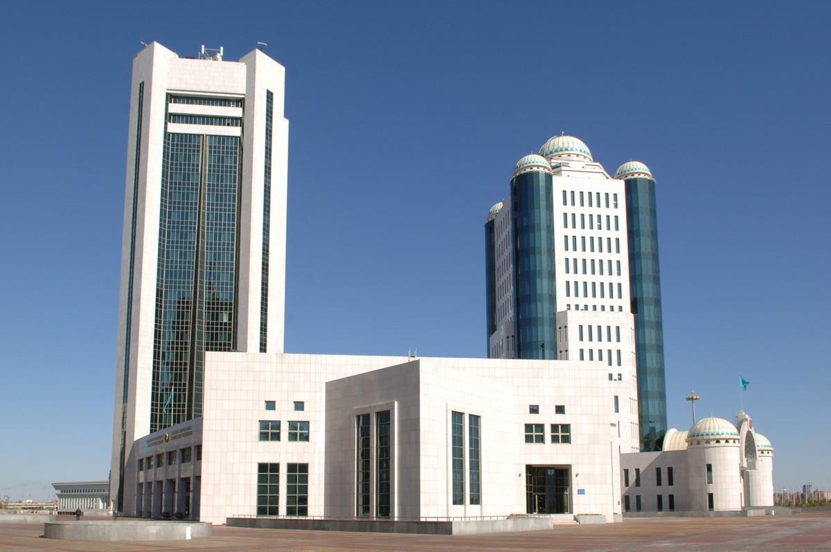 Парламент Казахстана принял поправки в бюджет на 2018-2020 годы
