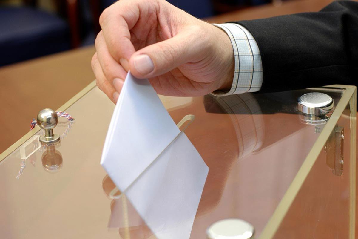 Шесть кандидатов претендуют на два мандата сенаторов от Шымкента