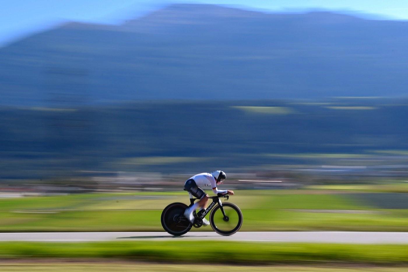 ЧМ по шоссейному велоспорту: как выступили казахстанки на гонке с раздельным стартом